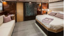Luxury yacht Alpha 76 Flybridge - Master Cabin