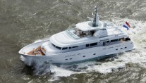 Luxury yacht Belle de Jour - upview