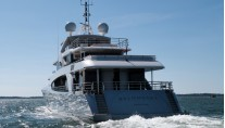 Luxury yacht Belongers - aft view
