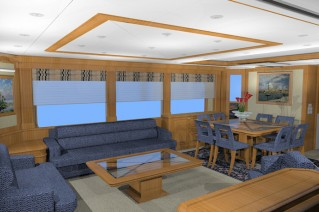 Luxury yacht D75 -Salon