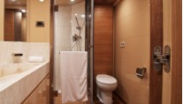 Luxury yacht Electra - VIP cabins bathroom-001