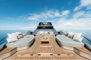Luxury yacht G - Bow lounge