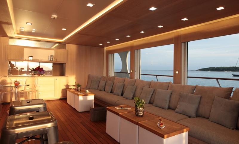 Interior Design Yacht Jobs : Luxury20yacht20Heliad20II20 20Lounge20area20on20the20bridge20deck from www.elivingroomfurniture.com size 800 x 481 jpeg 212kB