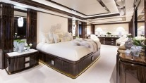 Luxury yacht Illusion V - Owners Cabin