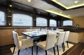 Luxury yacht LE PIETRE - Formal dining