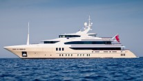 Luxury yacht Lady Candy - side view - Photo by Jeff Brown Superyacht Media