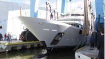 Luxury yacht Luna hitting the water