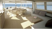 Luxury yacht Navetta-33-Crescendo-Upper-deck