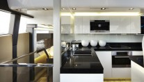 Luxury yacht Pearl 75 - Galley