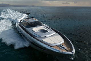 Luxury yacht Riva 88 Miami - front view-001