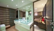 Luxury-motor-yacht-Cerri-102-hull 1 - Bathroom