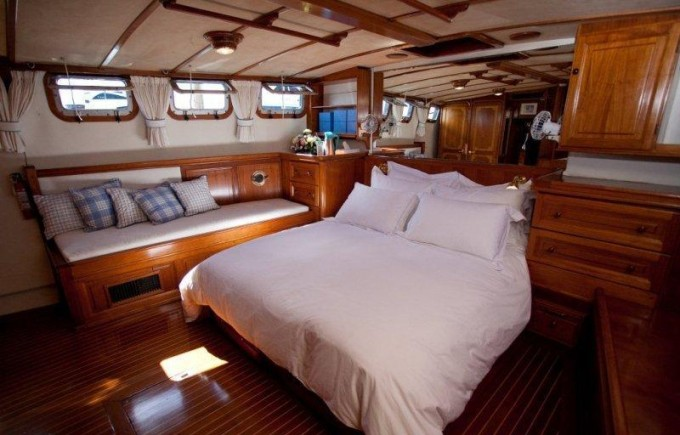 Luxury Yacht Charter Malaika Master Cabin