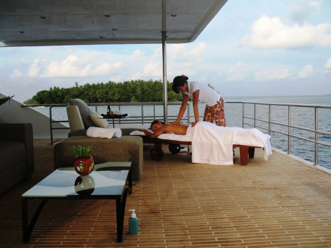 MALDIVE MOSIAQUE  - Outdoor massage therapy