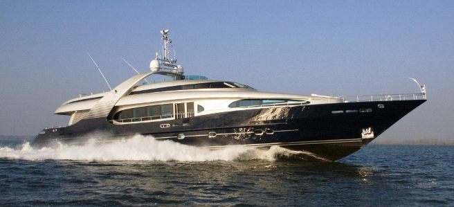 Luxury Yacht BLUE MAMBA