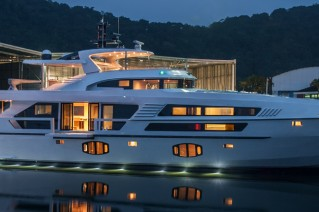 MCP 106 LE Yacht by night