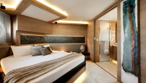 MCY 76 Yacht - Cabin