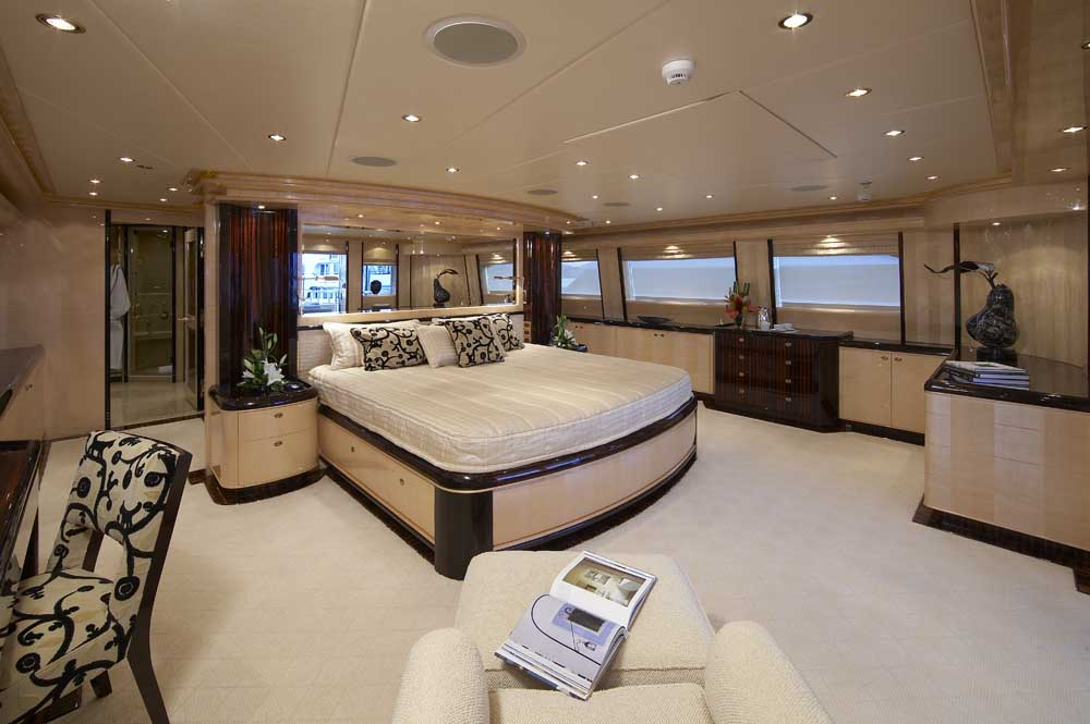 Lady leila miss rose the upper deck master suite luxury yacht browser by charterworld Large master bedroom en suite