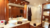 MOLIVER -  Master Bathroom