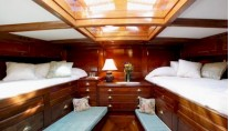 MOONBEAM IV -  Master Cabin