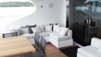 MY BEACHOUSE - Aft deck seating