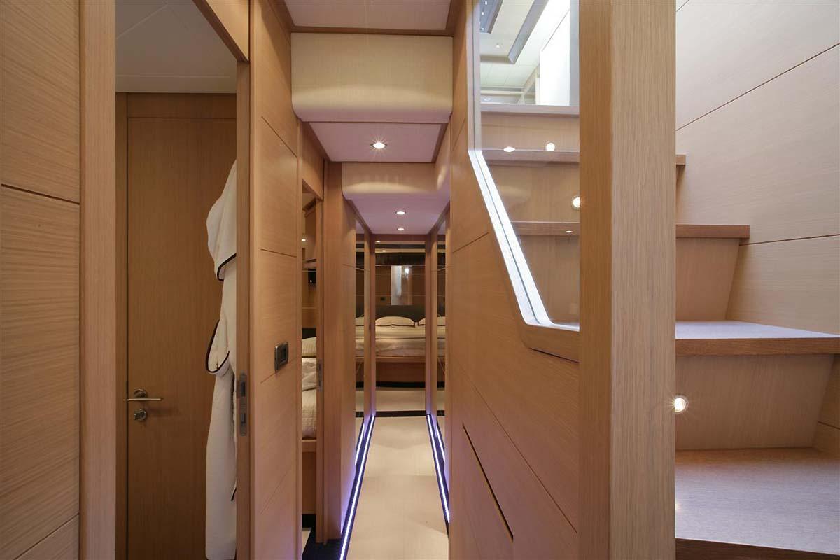 Foyer Luxury Yachts : My blue angel guest foyer luxury yacht browser by