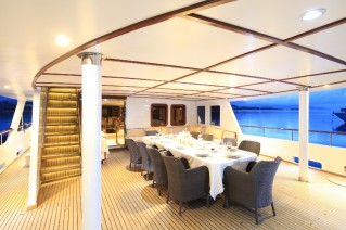 MY DONNA DEL MARE - Aft deck dining