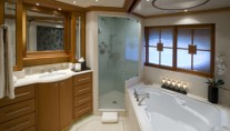 MY Destination Fox Harbr Too - Ensuite