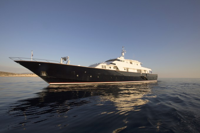 Motor yacht LIBRA Y (Ex SOLITAIRE OF THE ISLES)