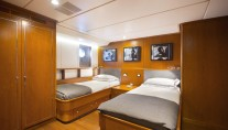 MY LIBRA Y- Twin cabin lower deck
