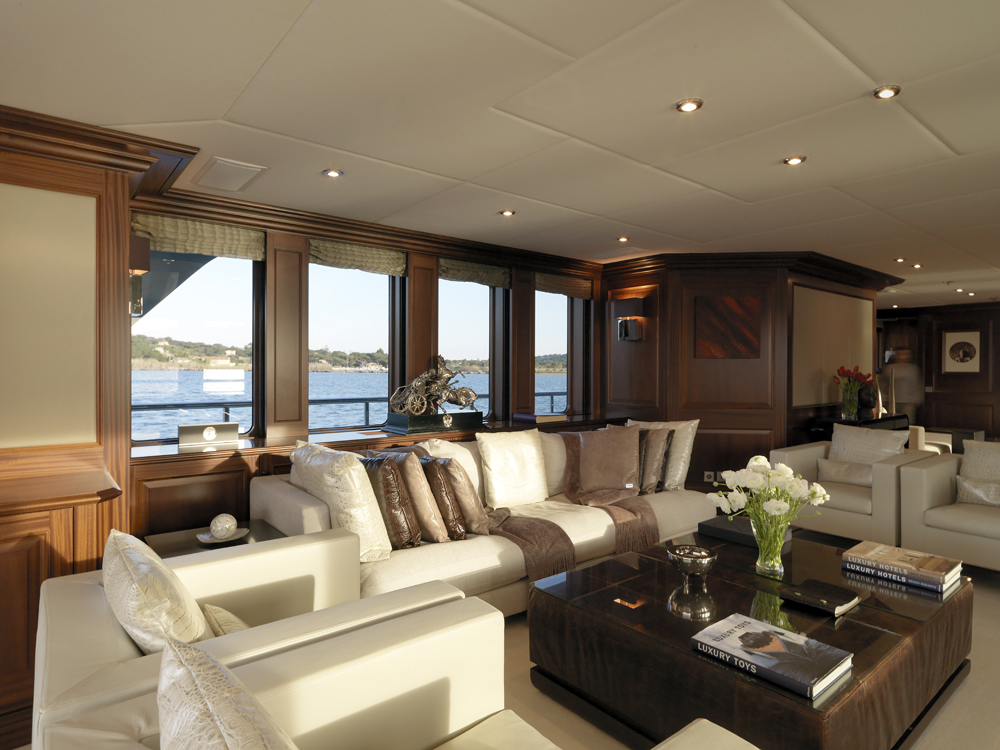 My little violet salon 2 luxury yacht browser by for A little luxury beauty salon