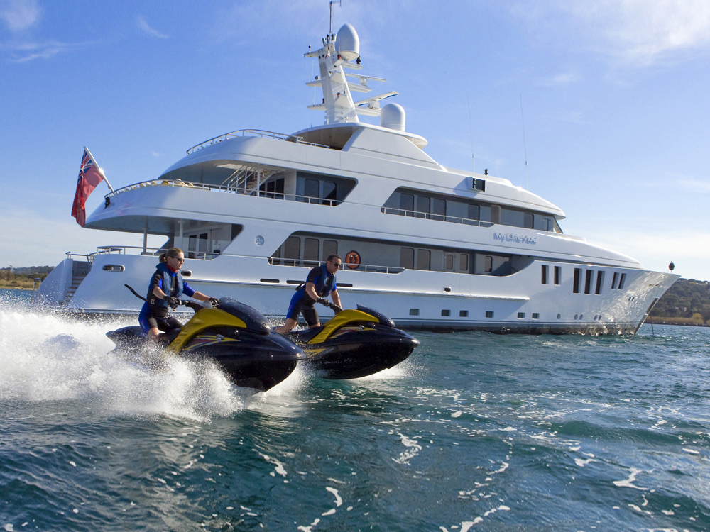 Luxury Yacht Charter My Little Violet Water Toys