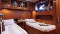 MY LOTTY yacht - twin cabin aft