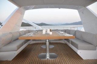 MY MOONRAKER - Upper deck dining