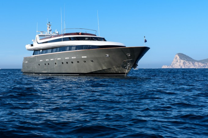 Motor yacht OCEAN GLASS (Ex BEYOND THE SEA)