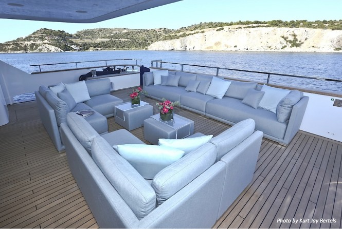 MY OURANOS - Aft deck