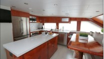 MY STERLING V - Country galley