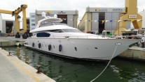 Maiora 24S superyacht on the water