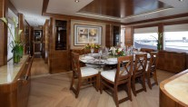 Majesty 105 superyacht -Dining area