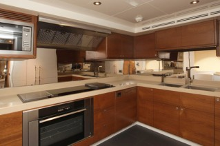 Majesty 105 yacht -Galley