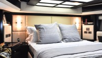 Majesty 88 Yacht - Owners Stateroom