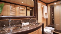 Mangusta Illusion 92 - Bathroom Closeup