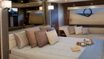 Marquis 720 Fly Yacht - Cabin