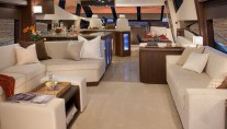 Marquis 720 Fly Yacht - Interior