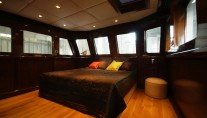 Master cabin on the Koheilan Yacht by Benetti