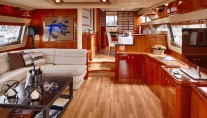 Motor Yacht AMOR - Salon forward view