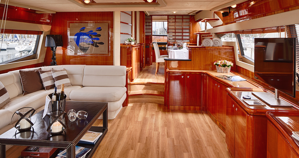 Motor Yacht AMOR - Salon forward view
