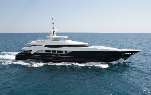 Motor Yacht BLUE SCORPION - Underway