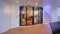 Motor Yacht CHARISMA -  Salon Entrance