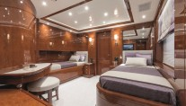 Motor Yacht CHECKMATE. -  Twin Cabin