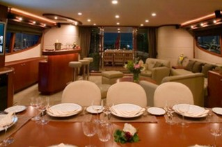 Motor Yacht CLARITY - Formal dining